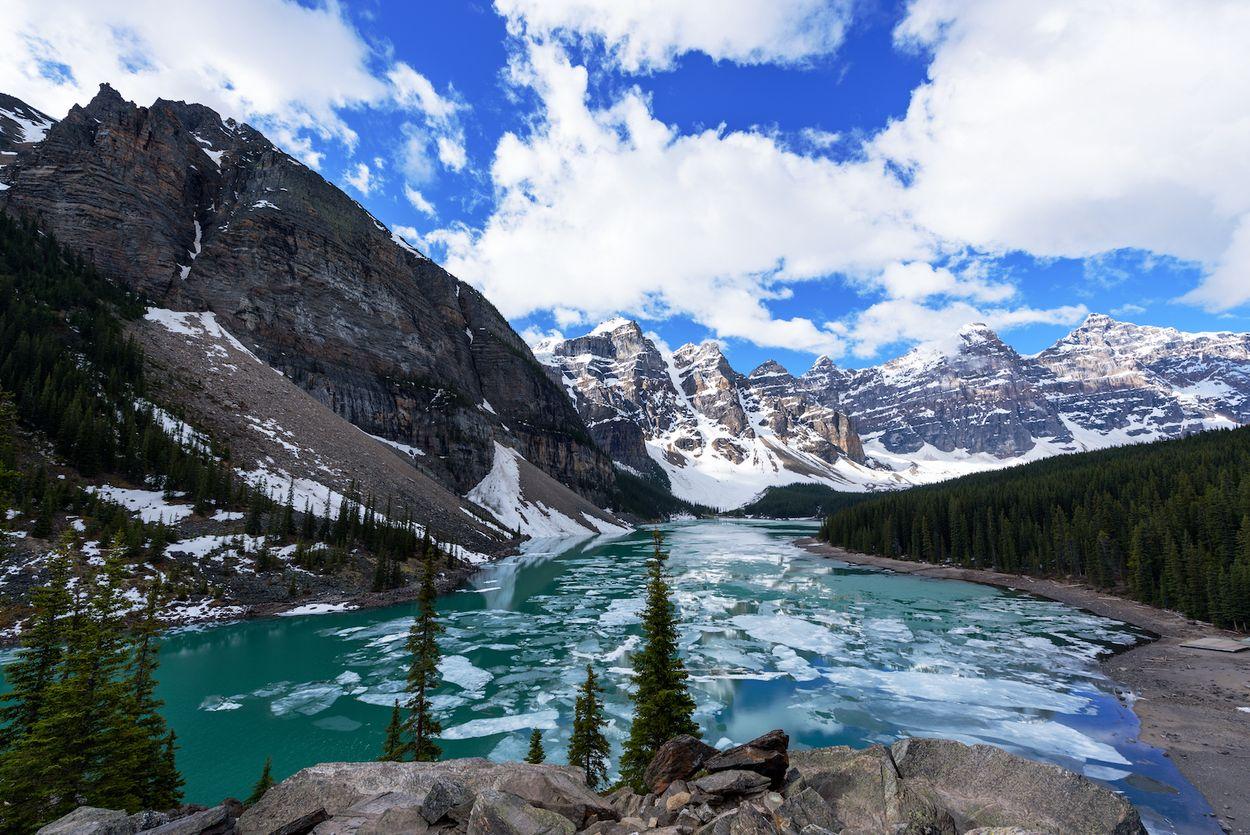 Afbeelding van Adembenemende beelden: kajak tussen gletsjers op knalblauw water