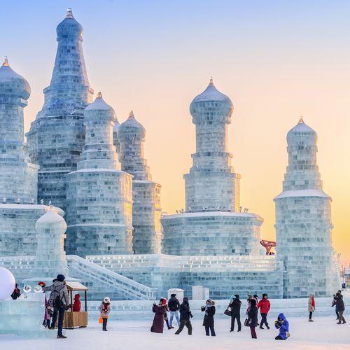 Afbeelding van Het grootste winterfestival ter wereld is beladen met gigantische ijssculpturen